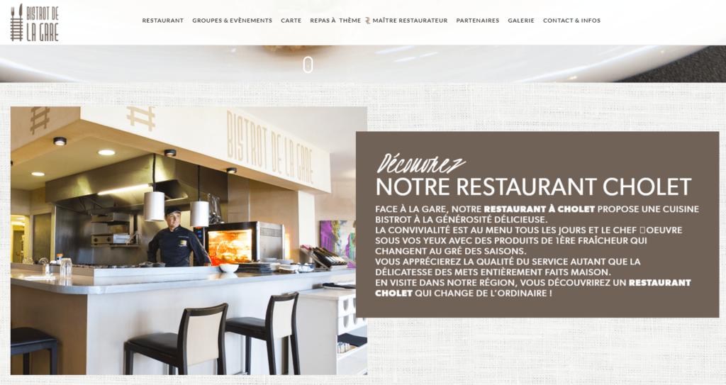 Le Bistrot de la Gare à Cholet a choisi l'asymétrie pour la mise en valeur du restaurant.