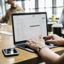 Comment configurer un message de réponse automatique ?